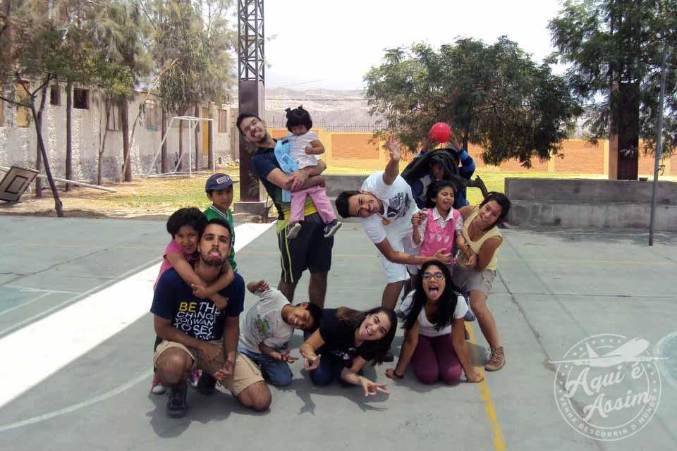 Crianças e adolescentes do projeto