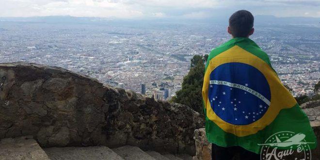 A 3.174 metros de altura vendo toda a cidade de Bogotá