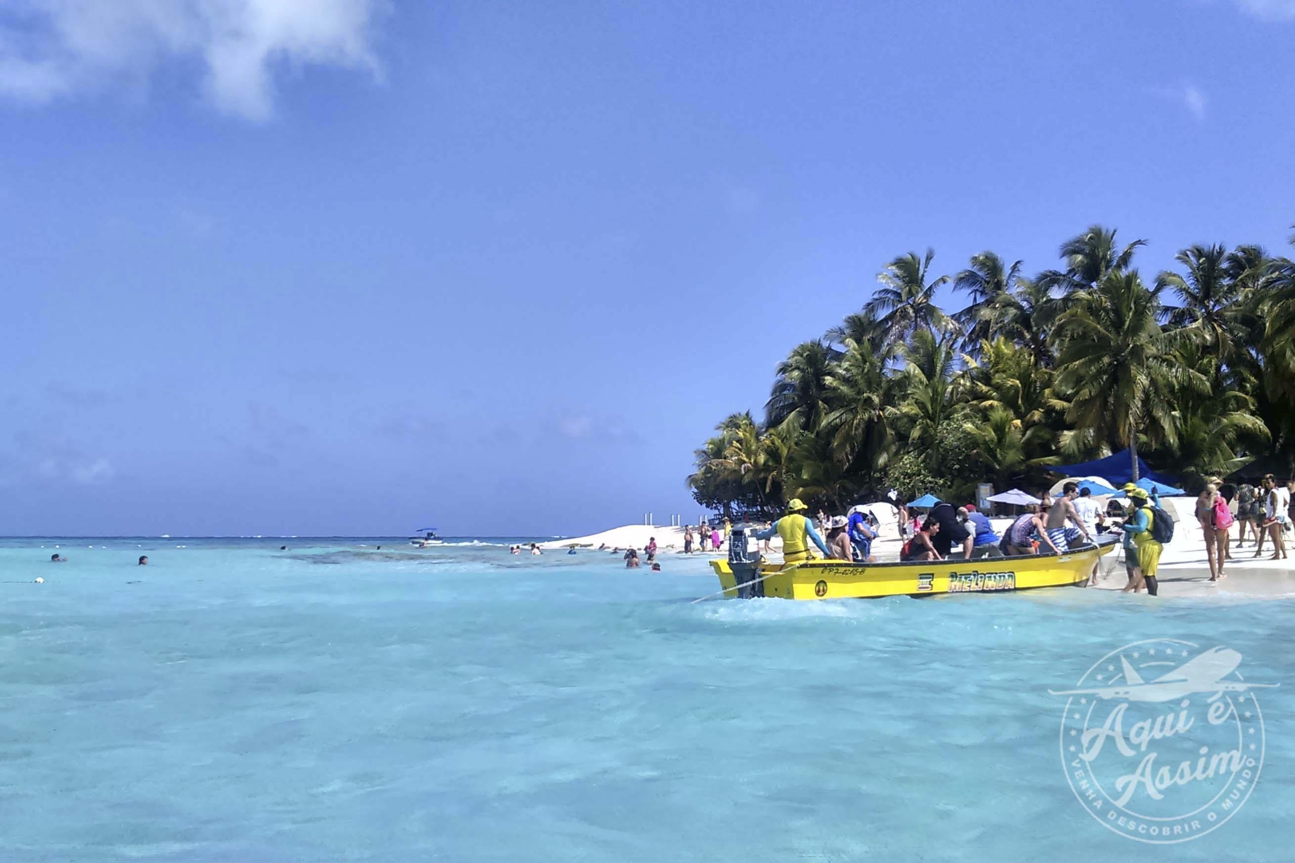 As águas claras do mar do Caribe.