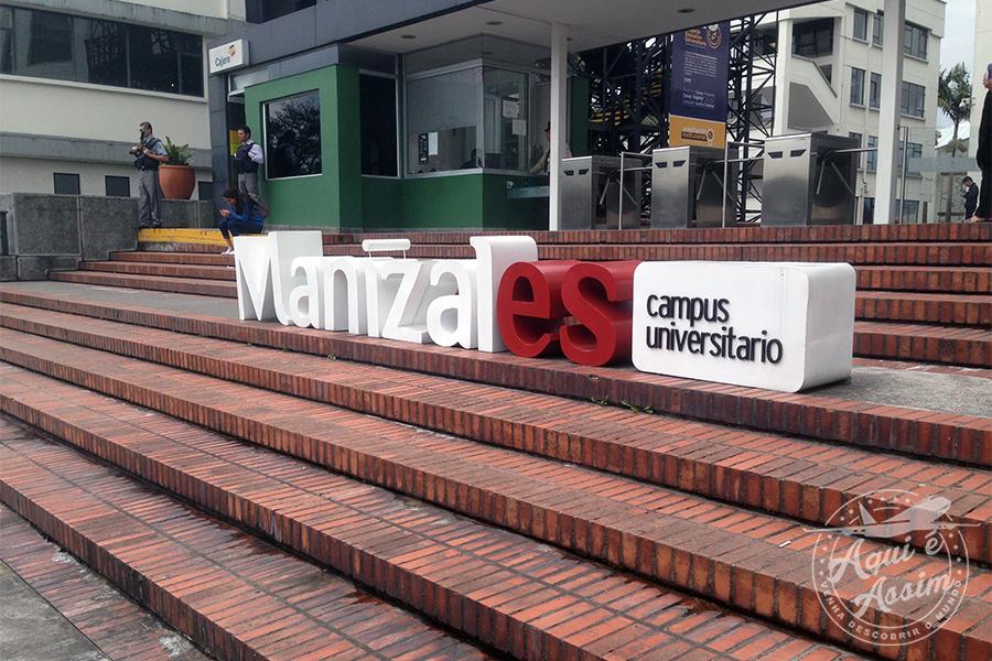 Universidade Católica de Manizales, onde estou desenvolvendo meu projeto